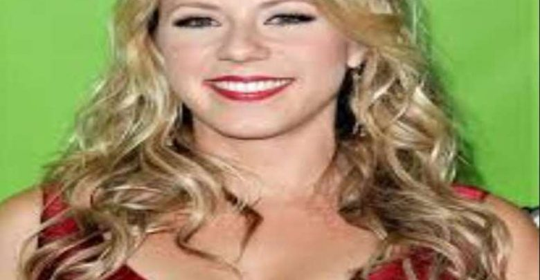Jodie Sweetin Biography, Net Worth, Measurements, Birthday, Height, weight, Age, Family Facts & Life Story